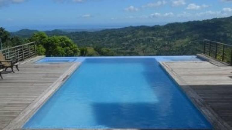 La piscine avec jacuzzi, la meilleure façon de se détendre chez soi