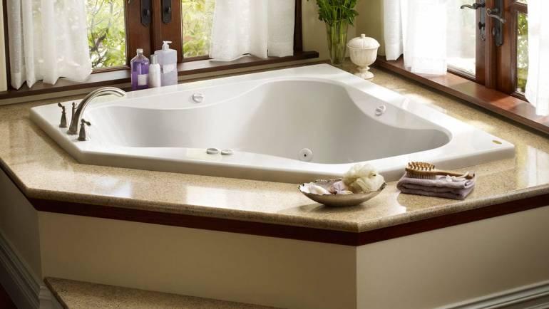 Avantages de la détente dans la baignoire jacuzzi