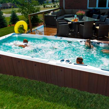 Pourquoi tant de gens cherchent-ils spa de nage ?