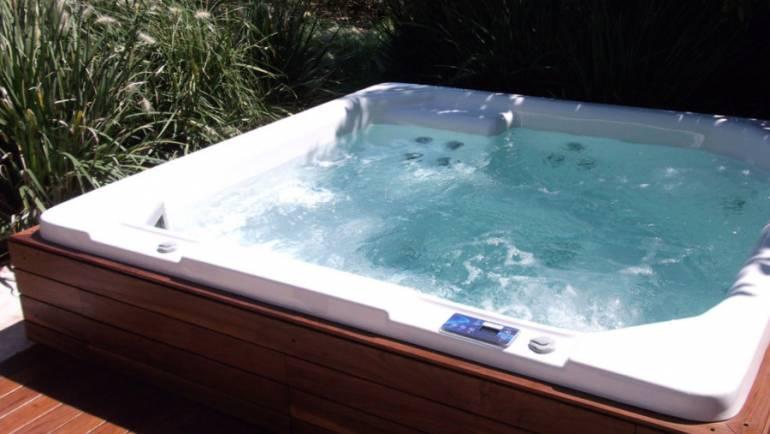 Conseils pour l'entretien de votre spa jacuzzi extérieur