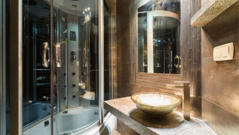 Cabine de douche hydromassage : une aide contre le stress