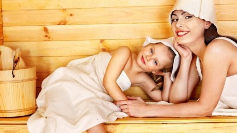 Saunas en bois : peuvent-ils être utilisés par les plus jeunes membres du foyer ?